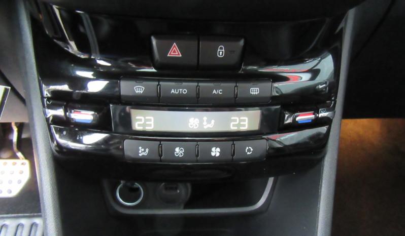 PEUGEOT 208 1.2 ESSENCE 110 CV  – GT LINE AUTOMATIQUE full